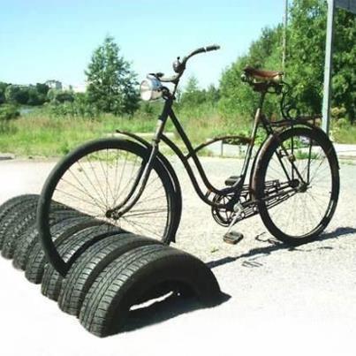 fietsenrek van autobanden